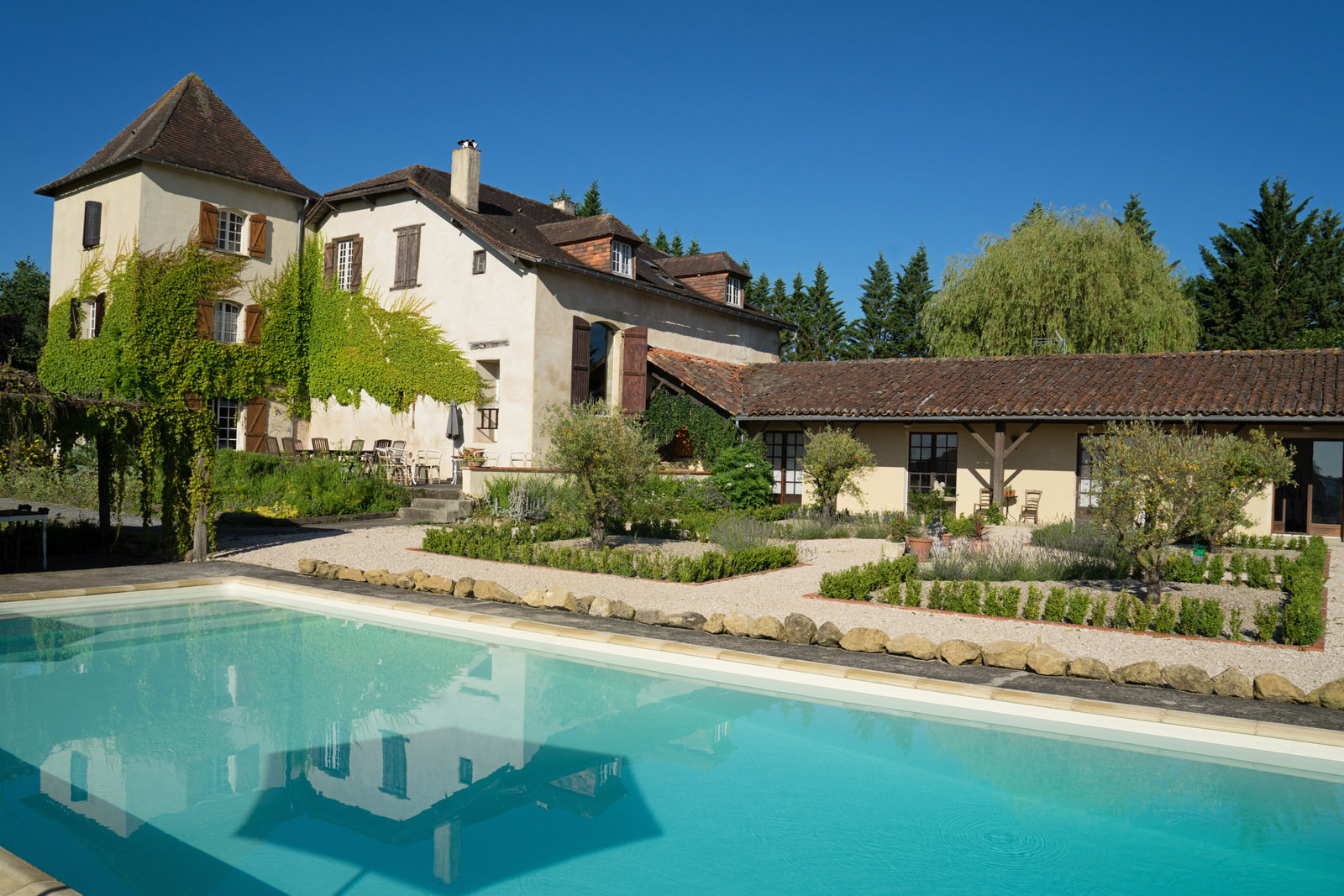 Manor House with pool in unrivalled setting close to Marciac