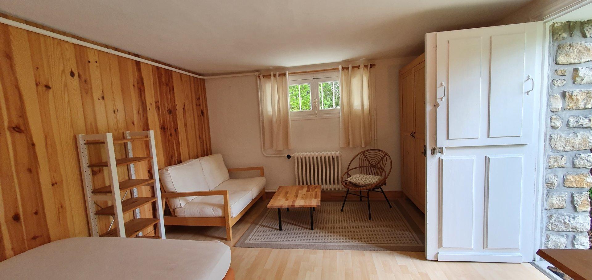 Proche du Parc de Chatou - Studio meublé en rez-de-jardin