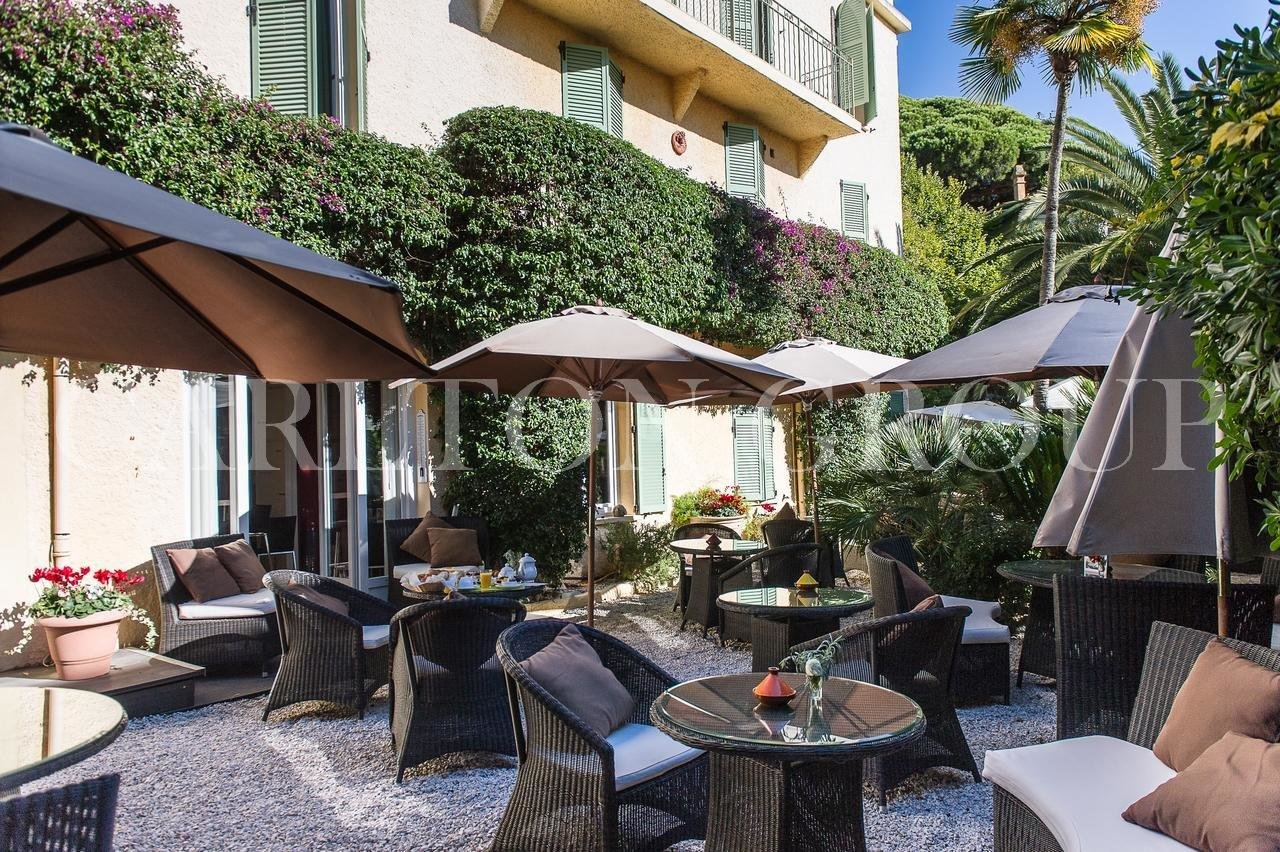 Sale Hotel - Cannes
