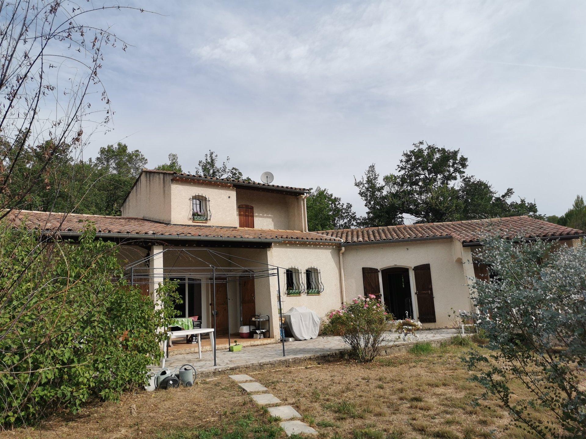 LORGUES, Maison de 130 m² hab  avec 3chs , 2sdb située sur 4030 m² de terrain