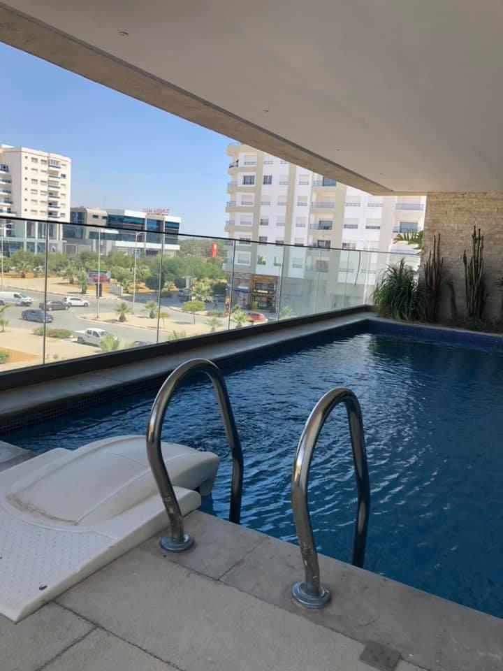 Location Appartement avec piscine S+3 au Lac 2