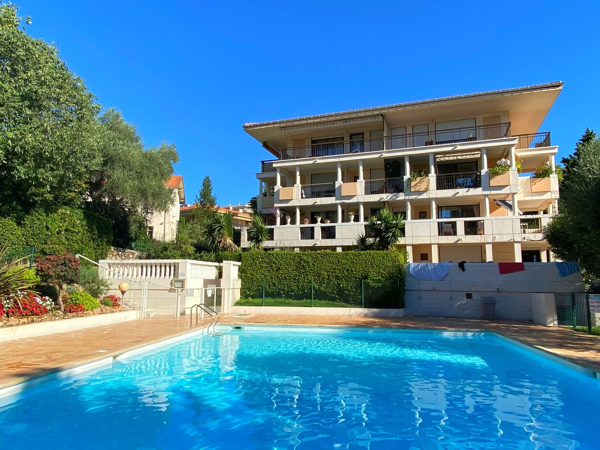 CANNES French Riviera Apartment for sale with swimming pool