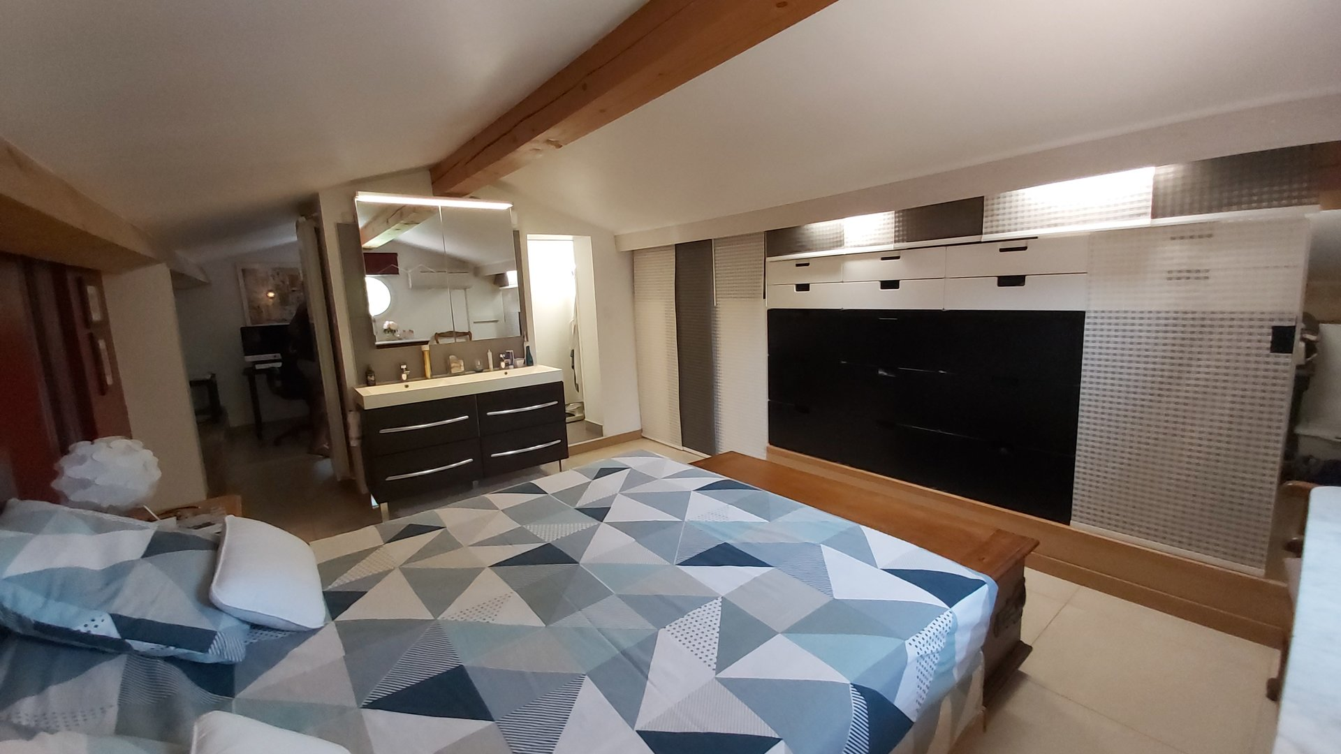 Belle villa de standing divisée en 4 appartements