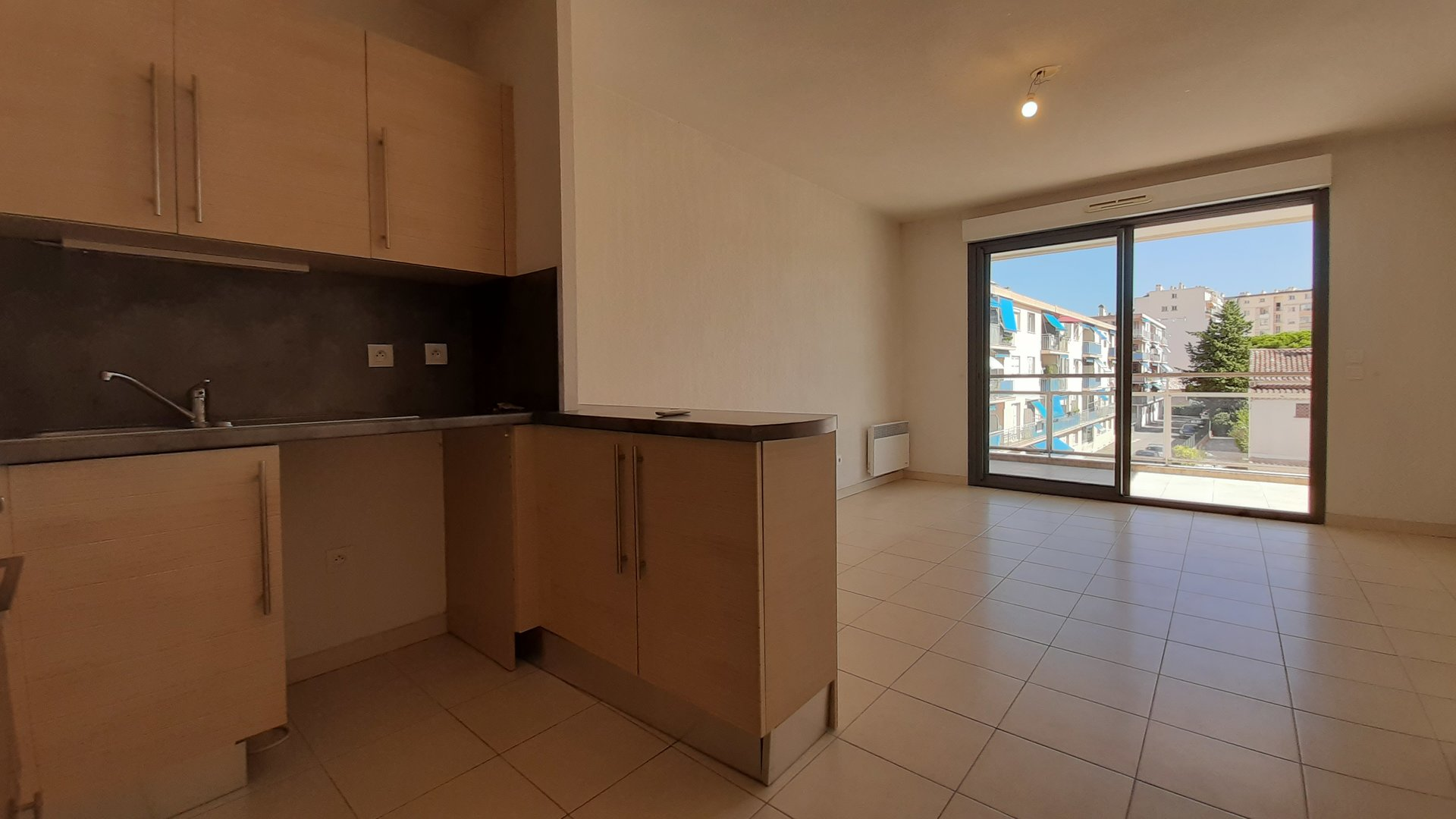 Sale Apartment - Cannes-la-Bocca