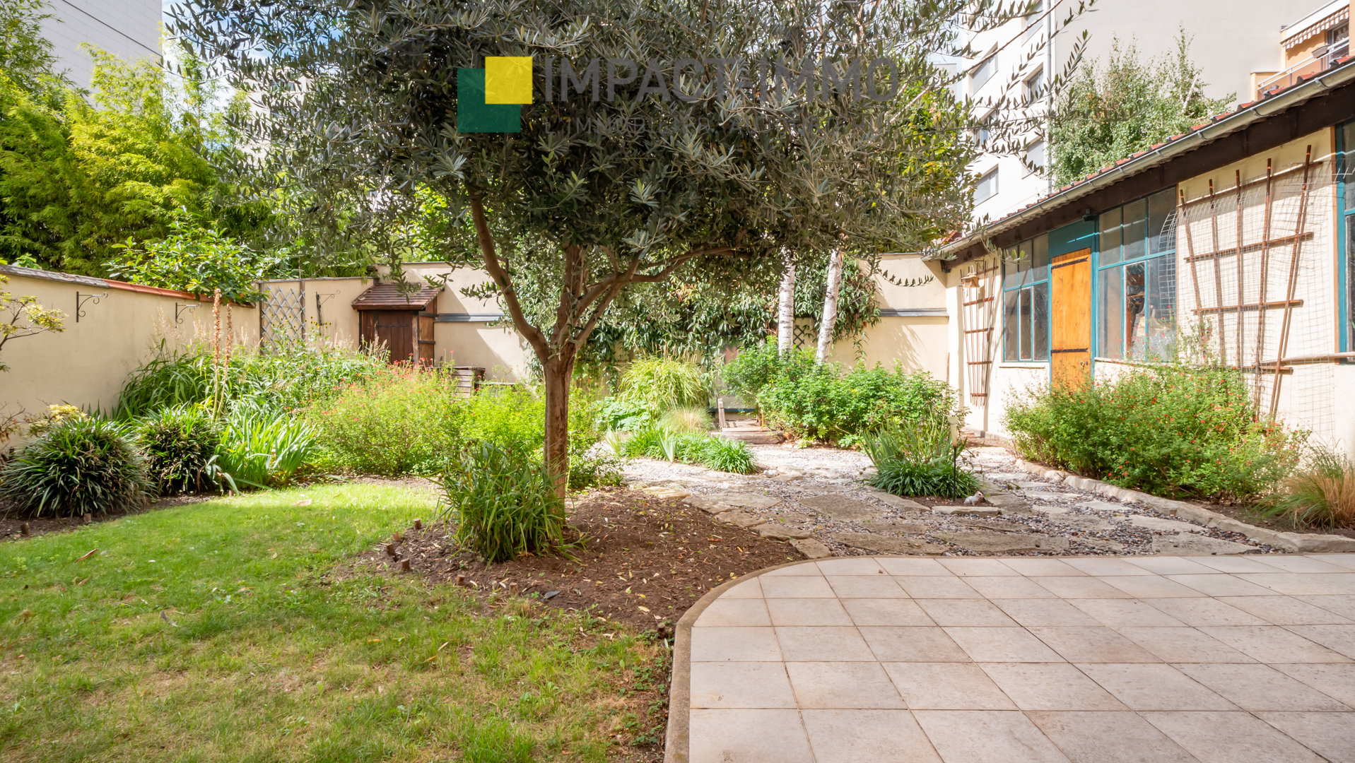 Maison Courbevoie 7 pièce(s) 130 m2 Jardin+Box 3 places