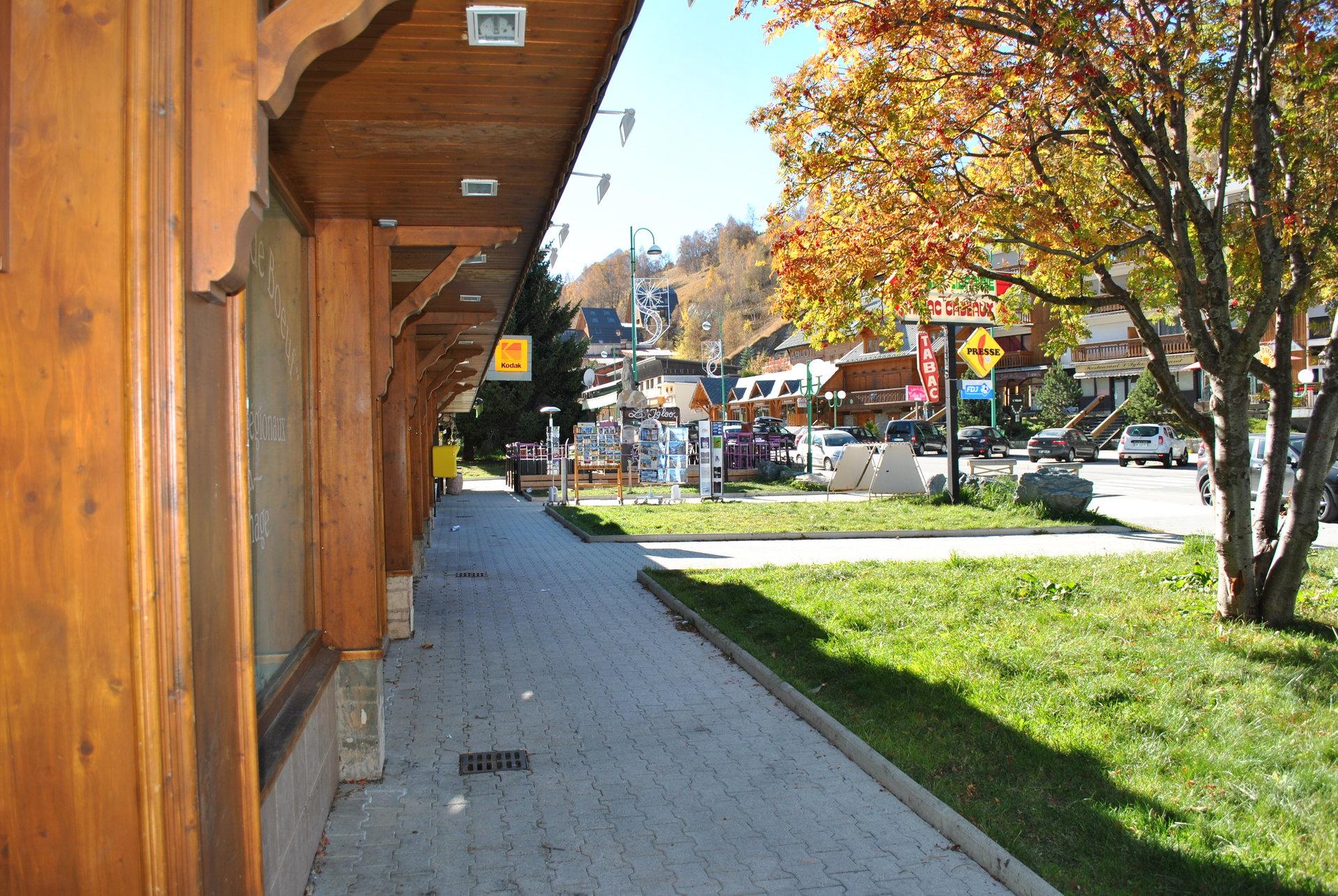 Appartement au pied des pistes proche du rassemblement de l'école de ski de Champamé