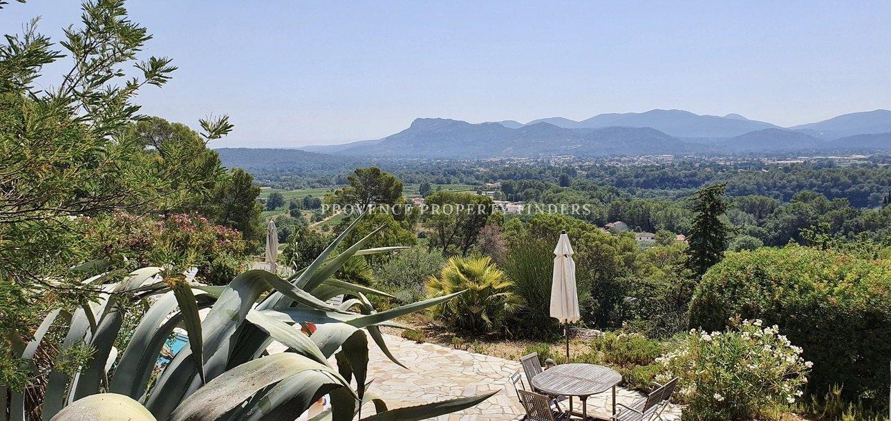 Panoramische uitzicht, La Motte. Zwembad, en Studio