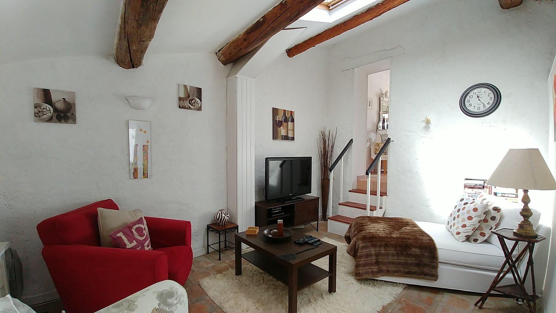 Maison de village de 230m2 avec terrasse et possibilité de revenue locative