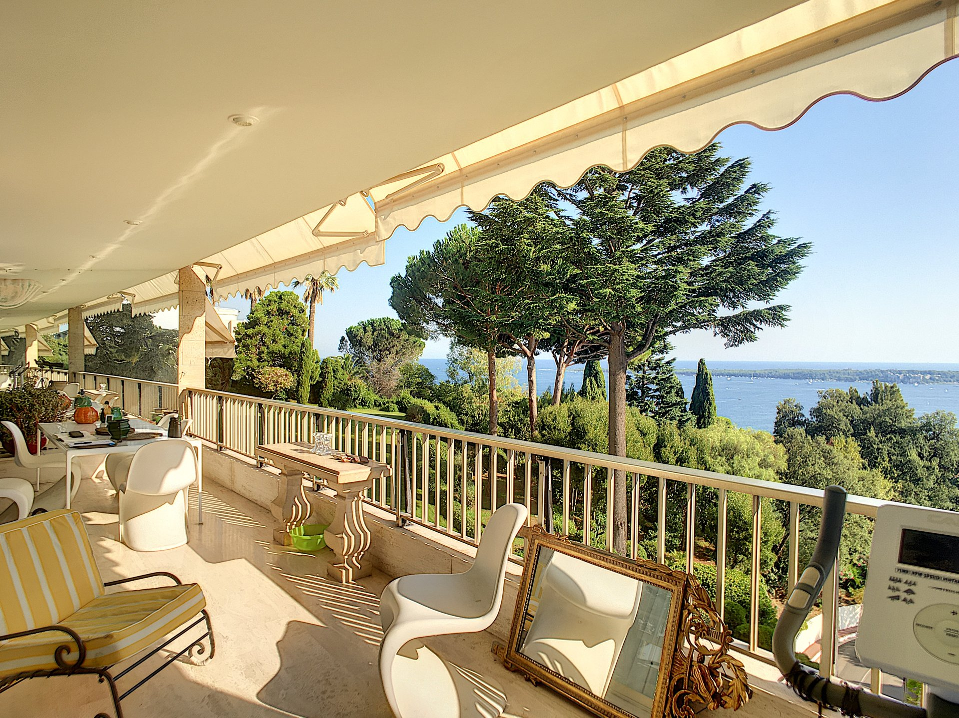 CANNES CALIFORNIE 3 PIECES VUE MER