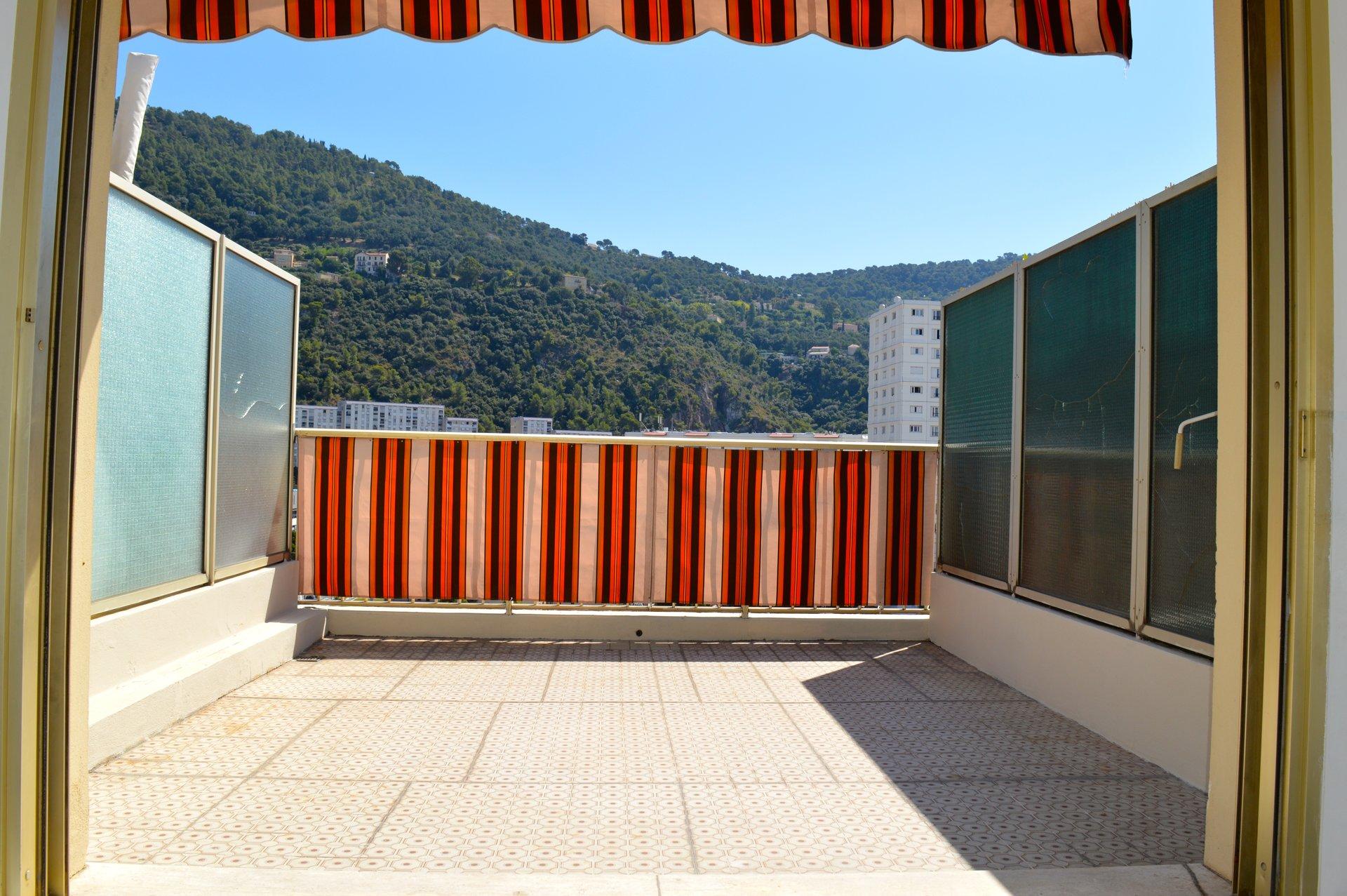 Secteur Pasteur - Studio - Dernier étage avec terrasse  sans vis à vis - Parfait investissement