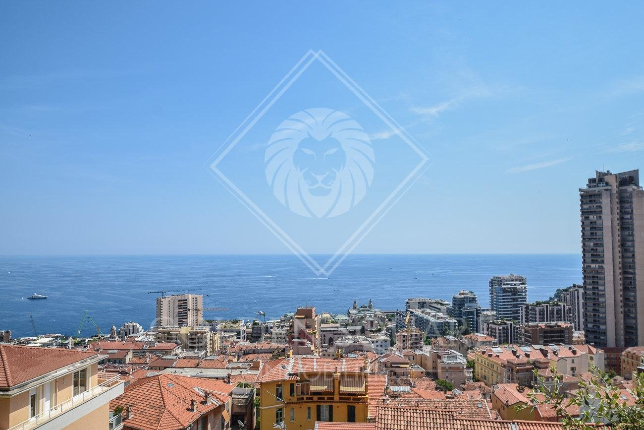 RIVIERA PALACE - LARGE 2 BEDROOM WITH SEA VIEW VUE