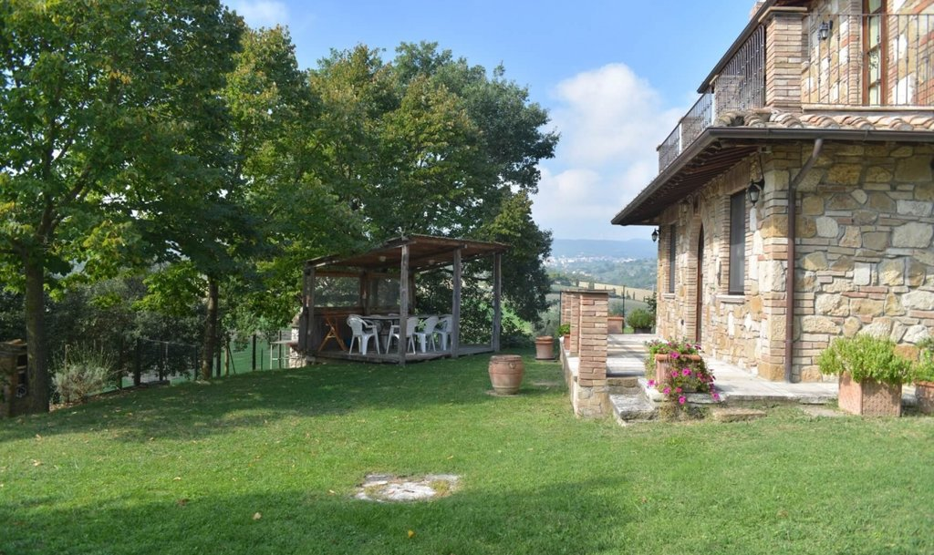 ITALY, TUSCANY, CHIANCIANO, FARMHOUSE WITH POOL, 8+2 PERSONS