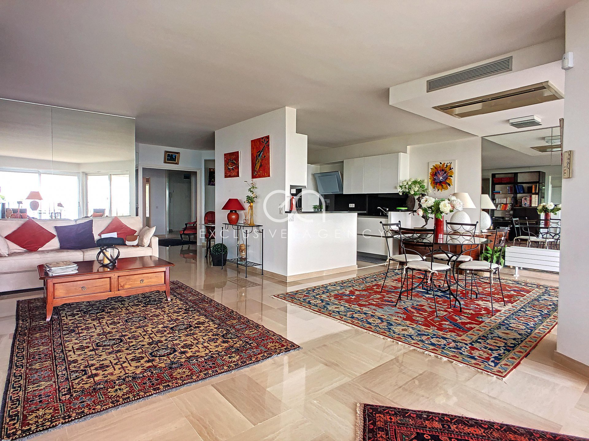 Cannes-Eden 136sqm 3-bedroom apartment, terrace with panoramic sea view