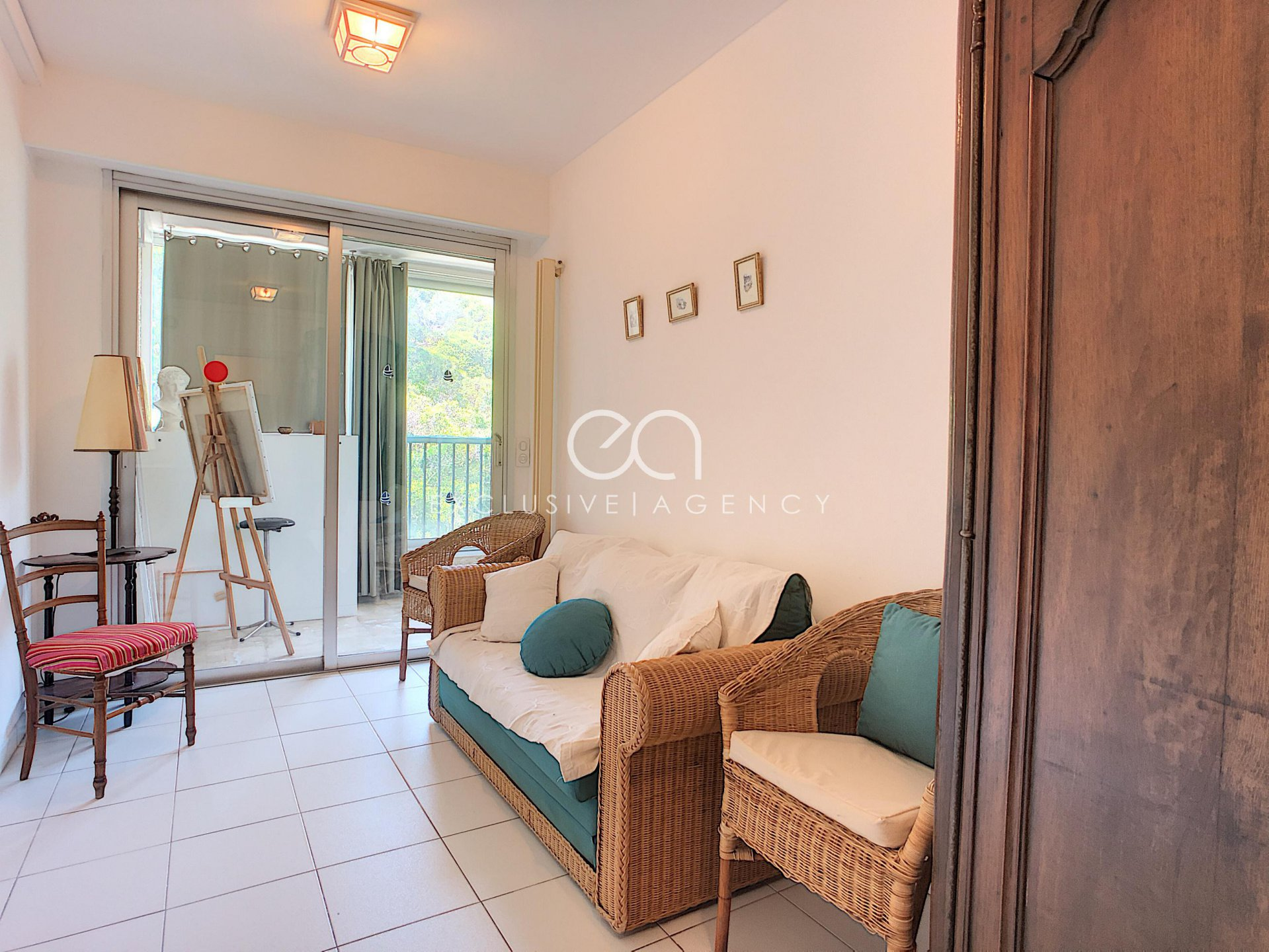 Cannes Californie 136sqm 3-bedroom apartment, terrace with panoramic sea view