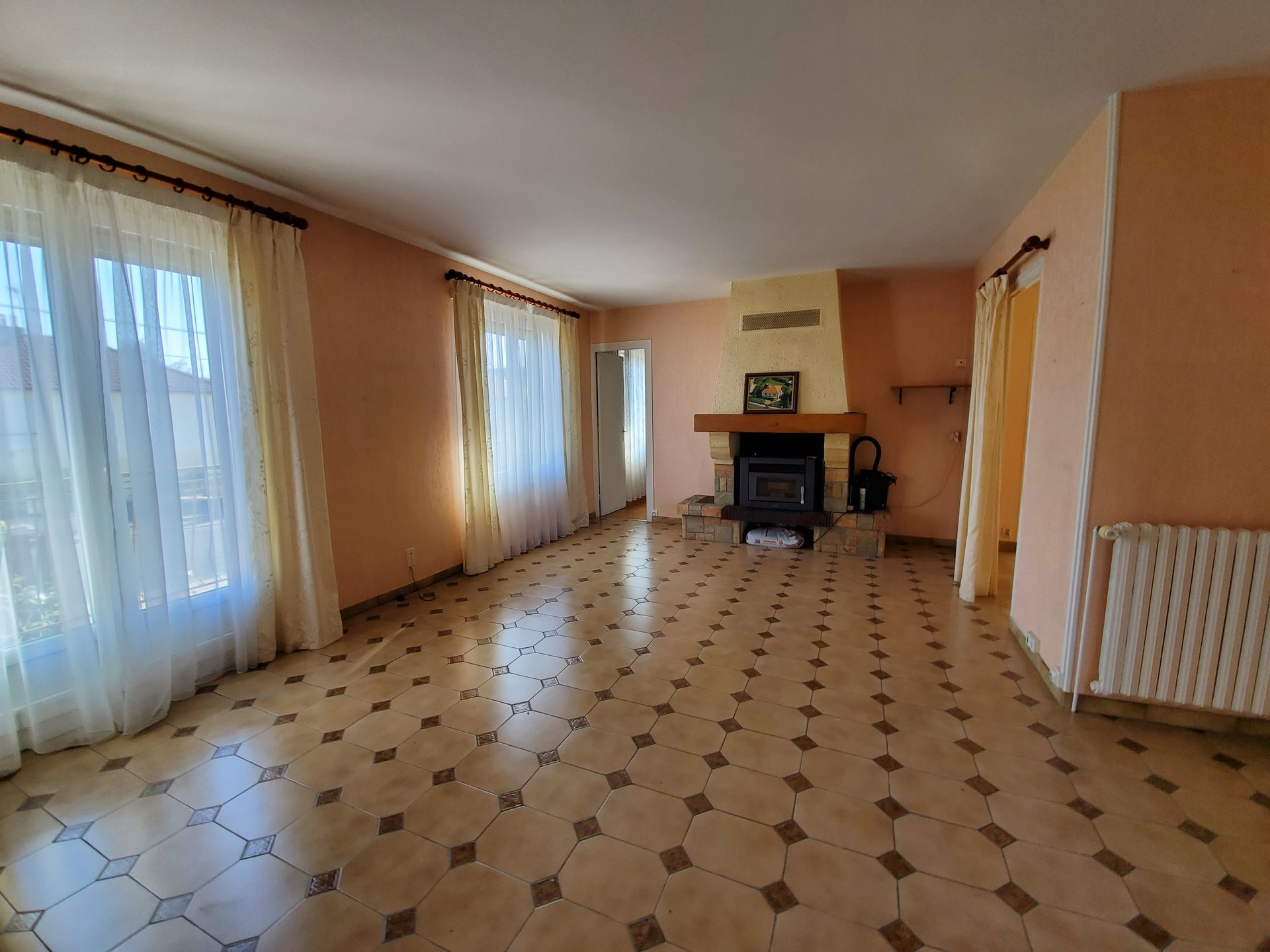 Sale House - Villeneuve-sur-Yonne