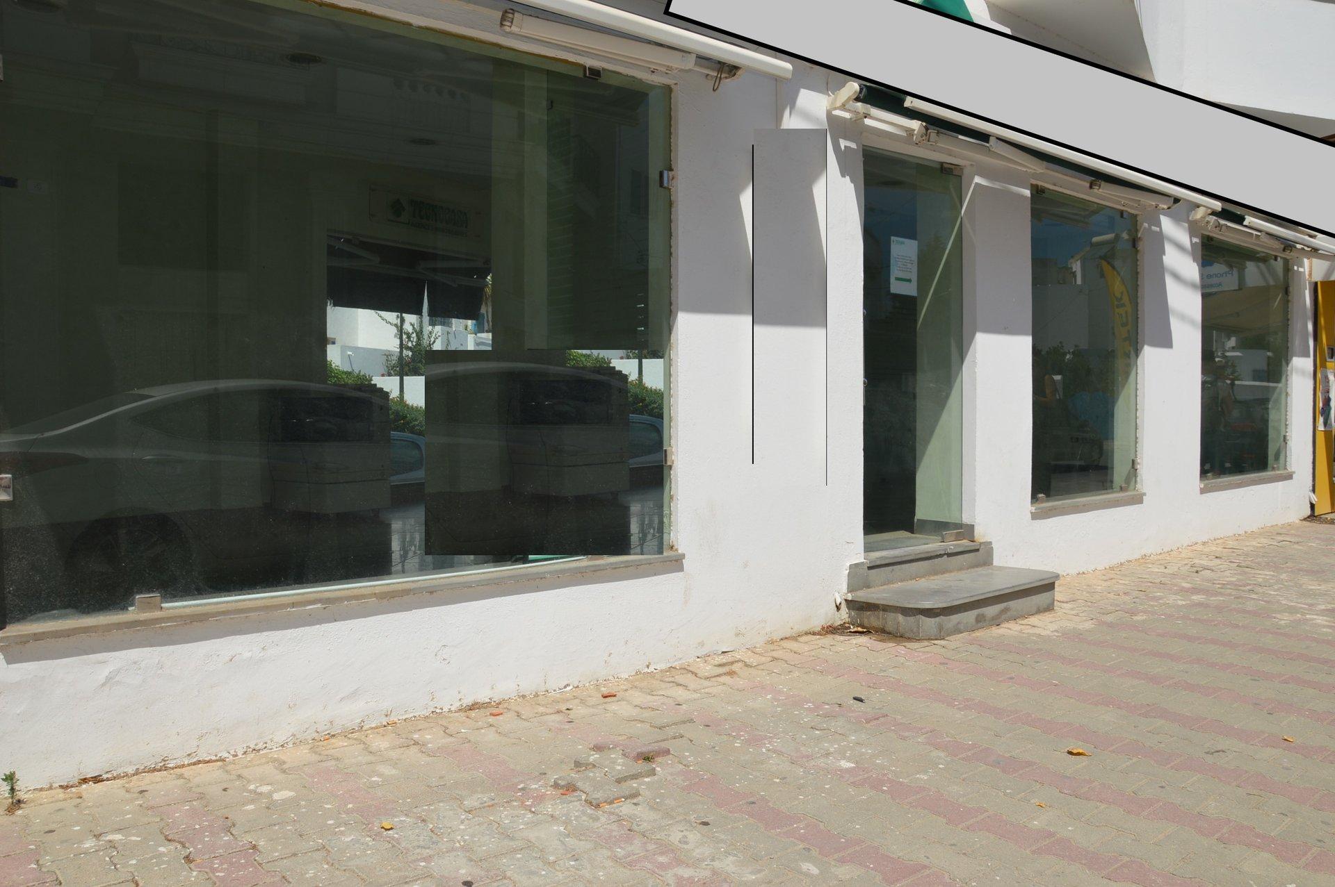 Local commercial 94m² à la Marsa