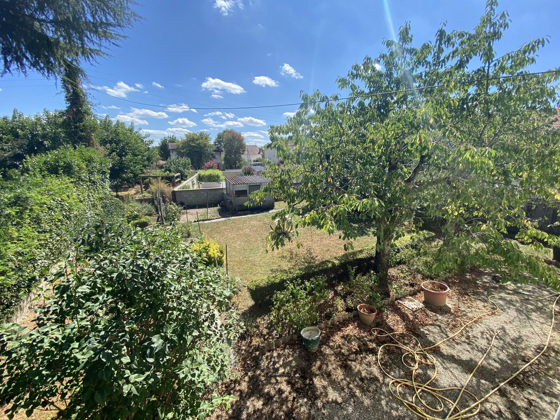 Jolie maison sur rez de jardin sur 729m² de terrain