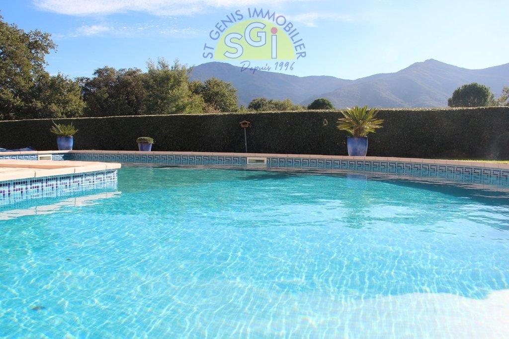 Villa avec piscine à Saint-Génis-des-Fontaines
