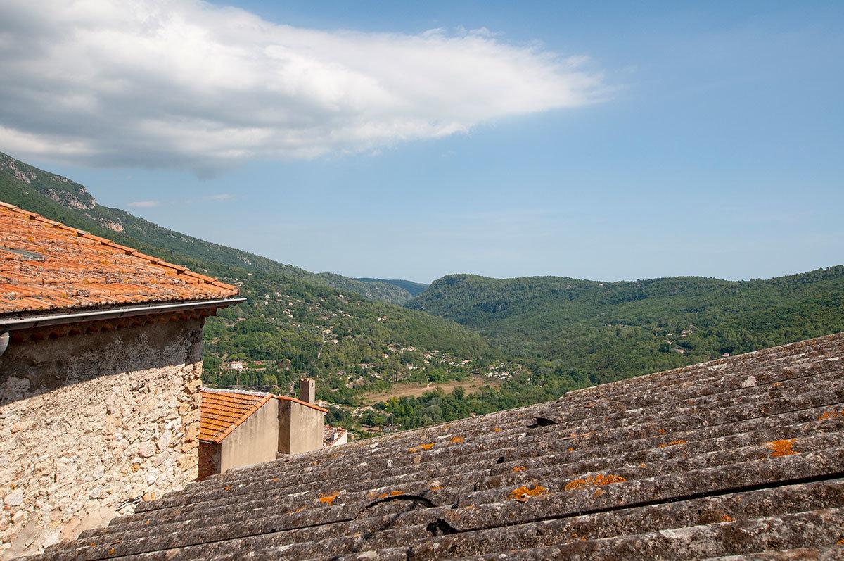 A vendre Le Bar-sur-Loup - Maison de village avec 3 chambres, magnifique vues sur la vallée