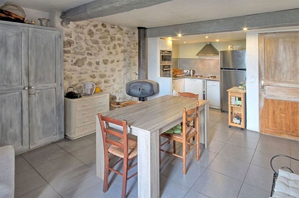 For Sale in le Bar sur Loup - 3 bedroom village house, with great views across the valley