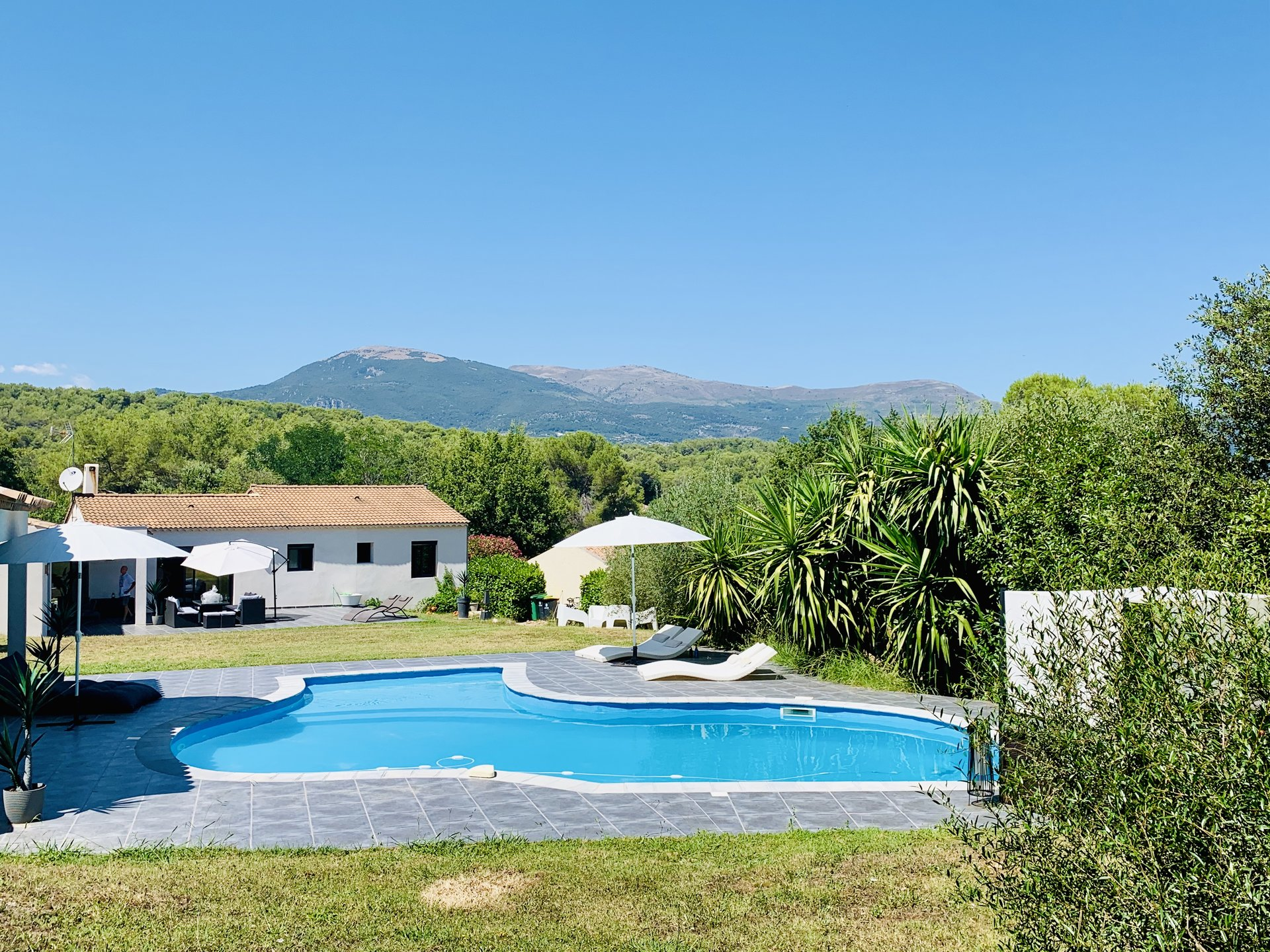 Roquefort-les-Pins villa contemporaine