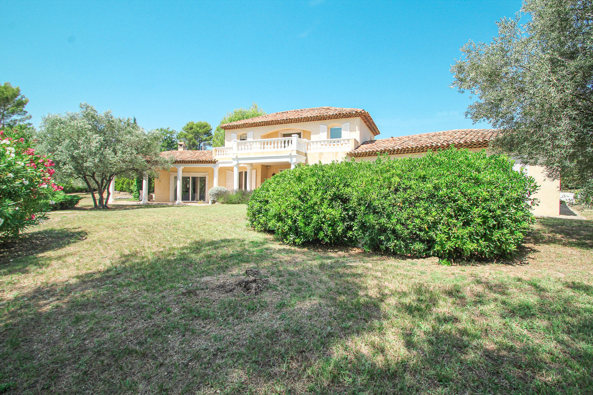 Seillans country house with large pool and charme