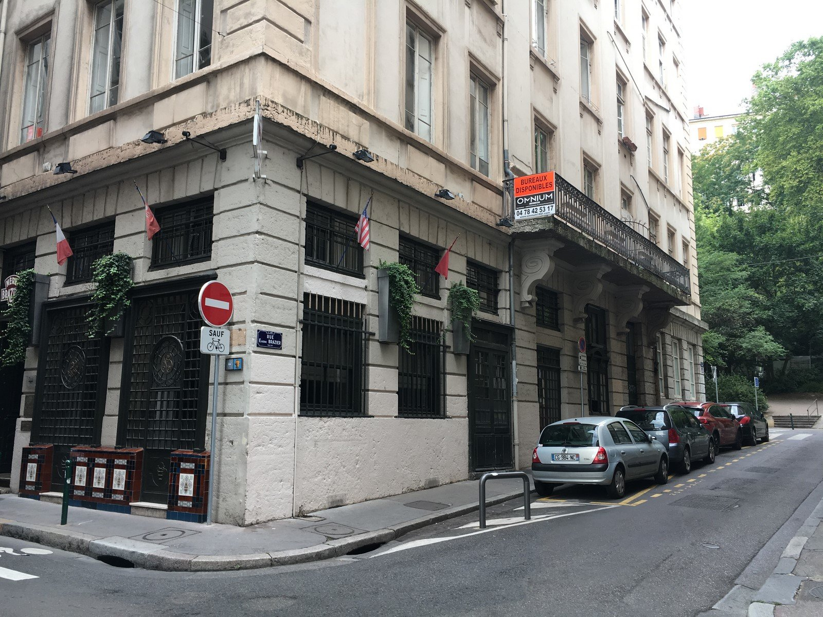 Loué par notre agence Studio Meublé : rue ROYALE
