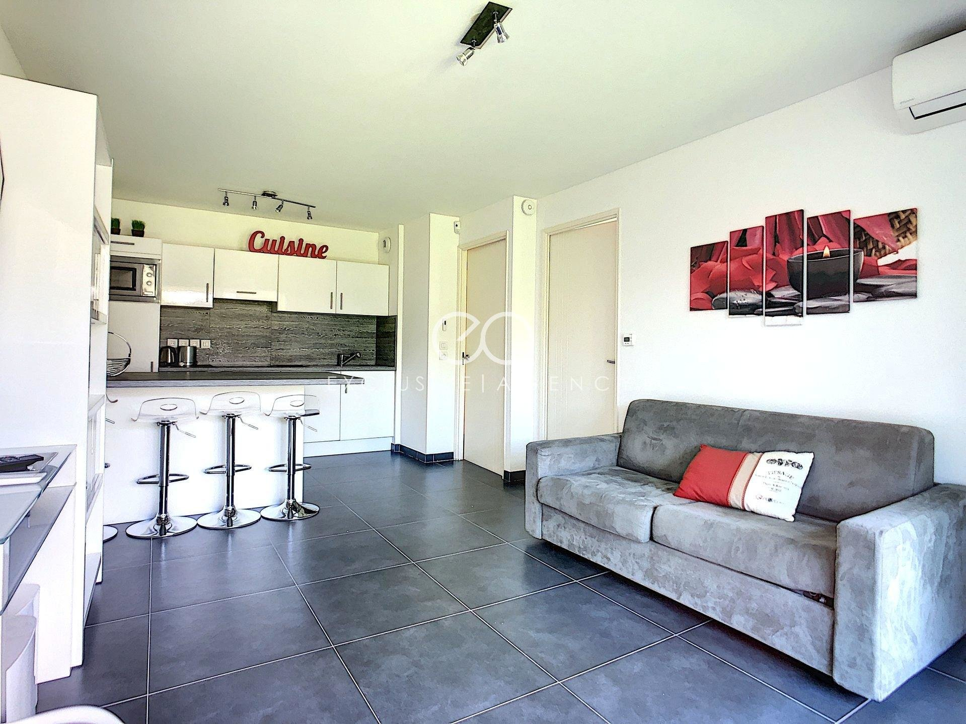 Cannes for sale 1-bedroom apartement with garage building of 2015