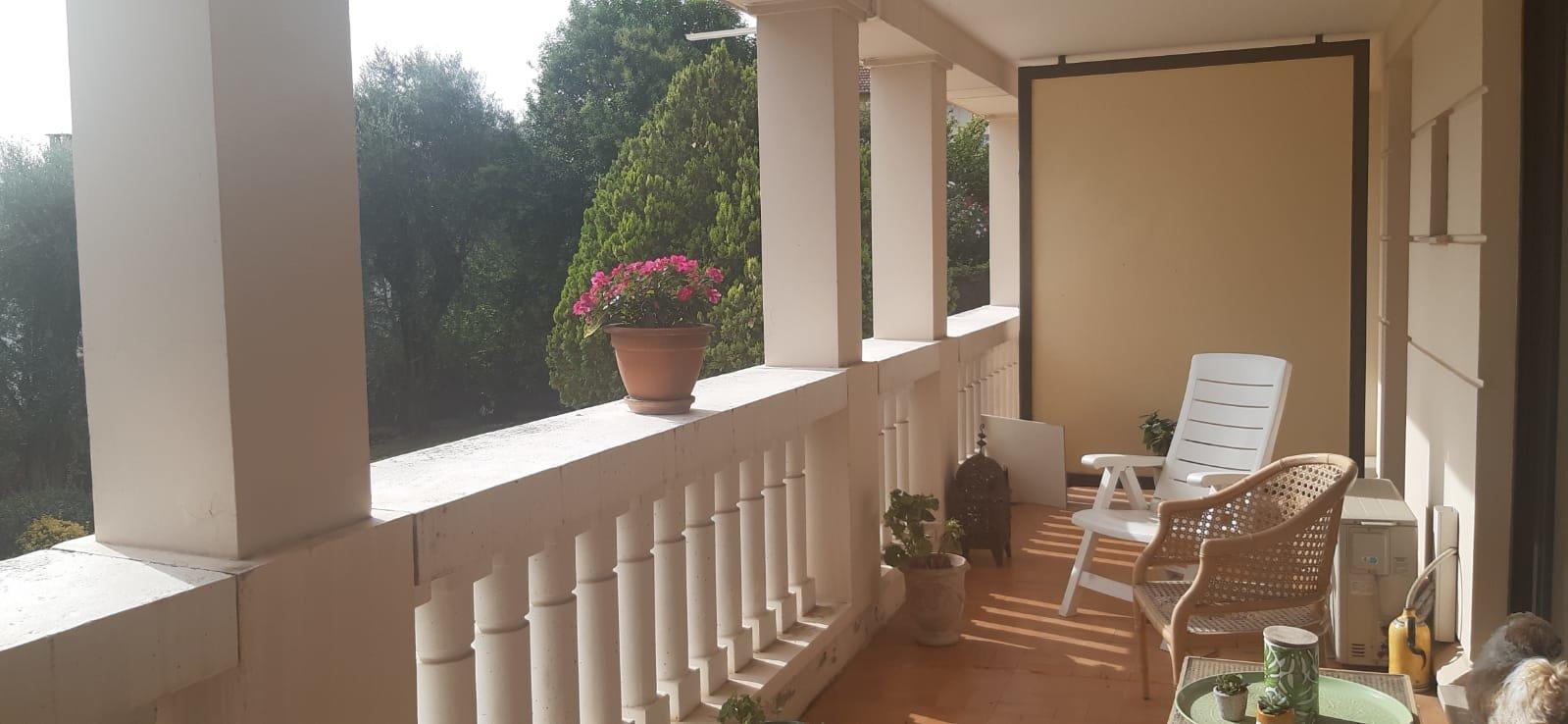 Appartement 4 pièces, 180 m2 de rez de jardin