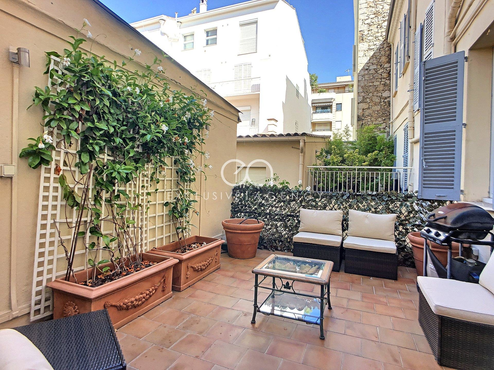 CANNES RUE D'ANTIBES SALE 3 ROOMS 88M2 AND 18M2 TERRACE IN PEACE