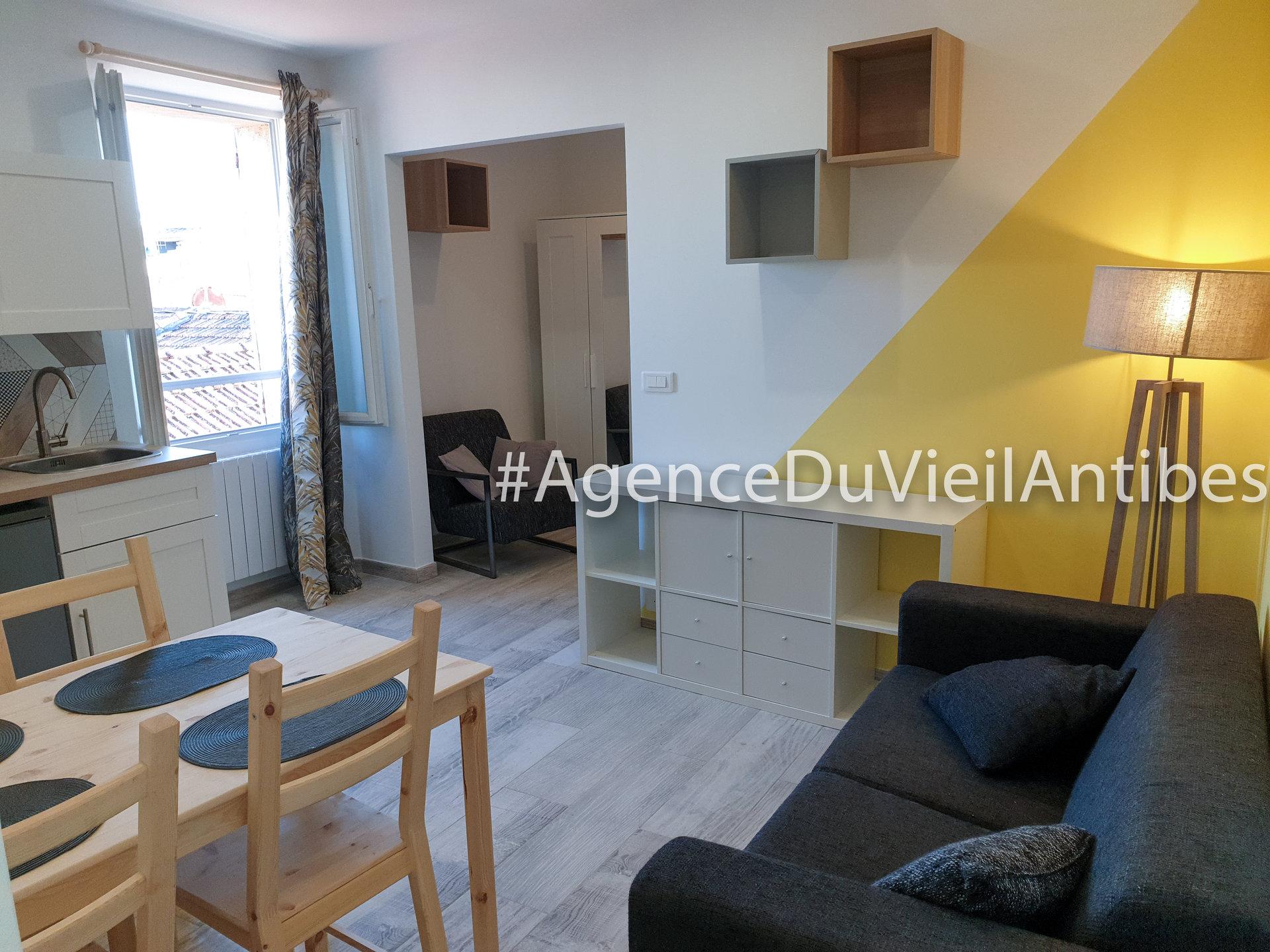 2p 3p 4p Antibes appartement appartement de caractère immobilier location maison de village pierres apparentes studio vente vieil antibes villa