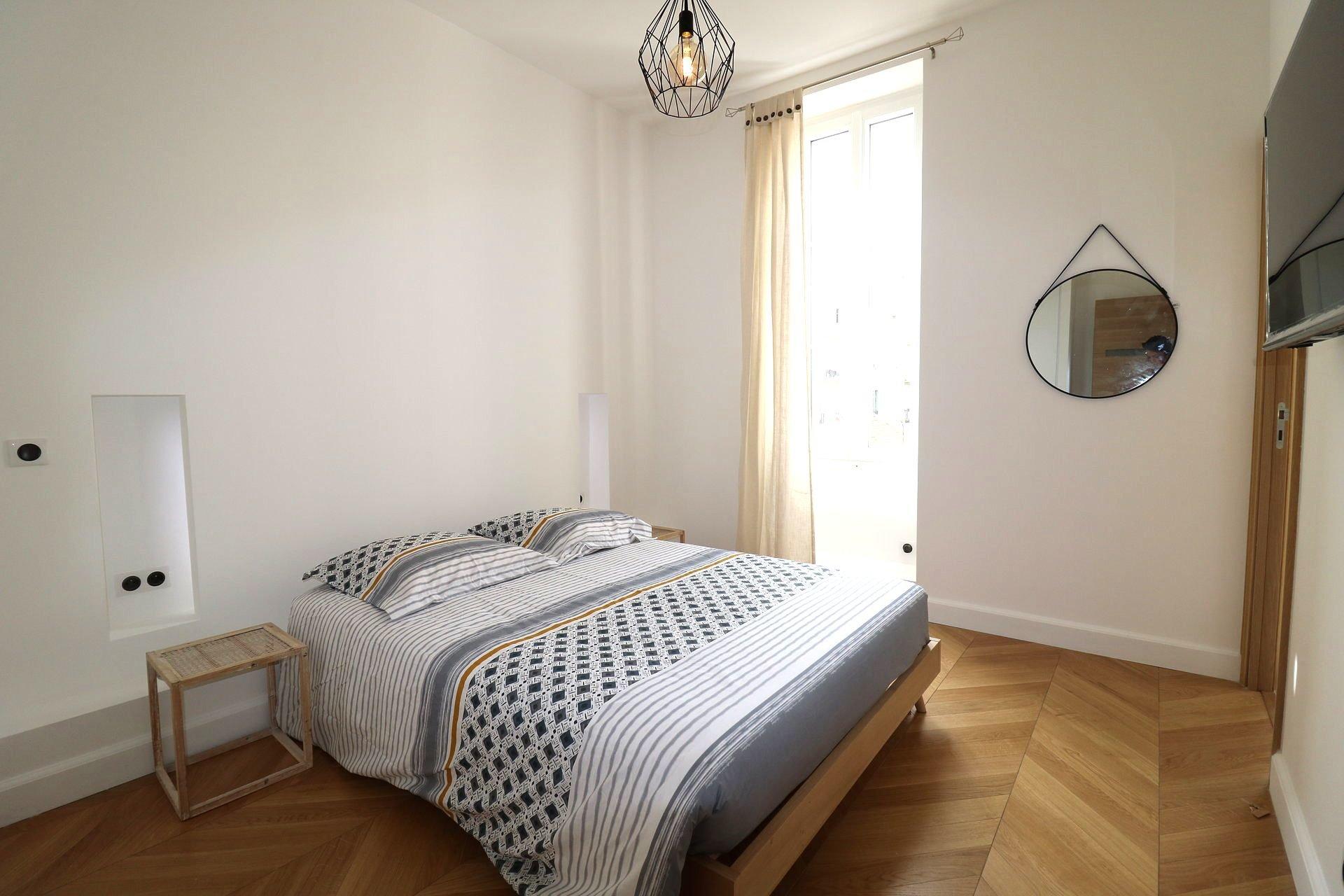 HOTEL DES POSTES - 3 pièces rénové, balcon