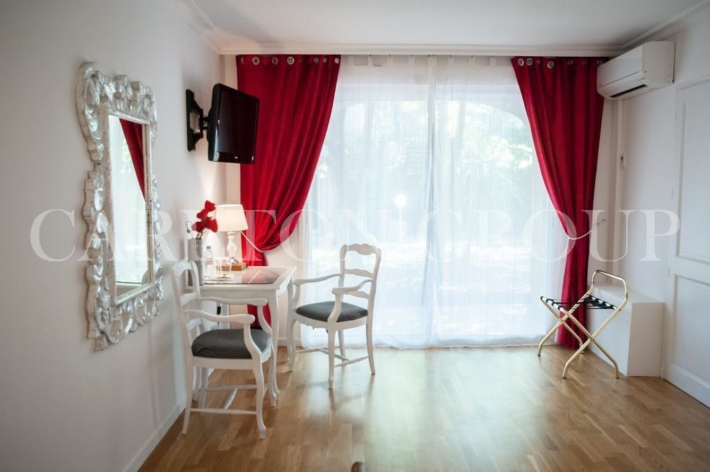 RESTAURANT DANS UN MAGNIFIQUE PETIT HOTEL DE CHARME 4* EN PROVENCE