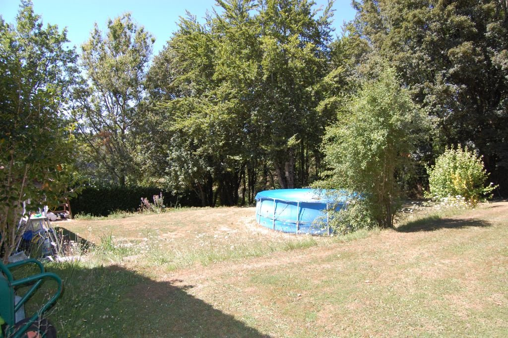 DORDOGNE - Old farmstead at border hamlet on 2.871 m2