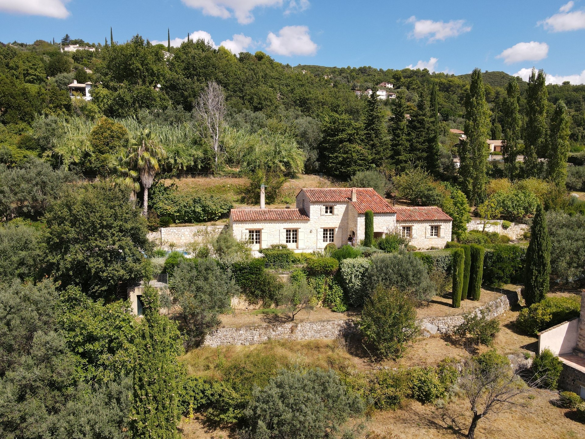 Seillans: villa en pierre with pool and view