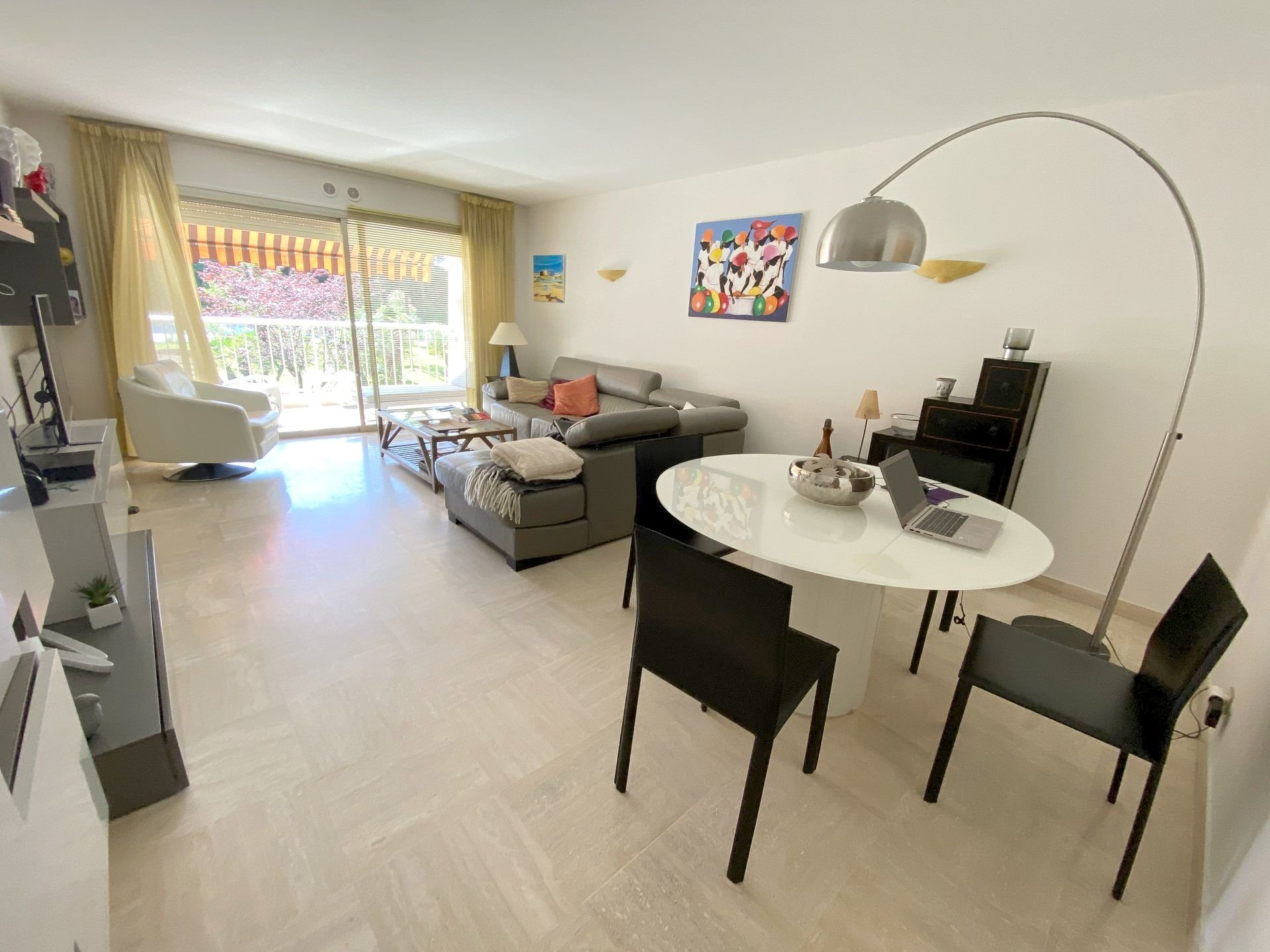 CANNES apartment 2 bedrooms for sale swimming pool