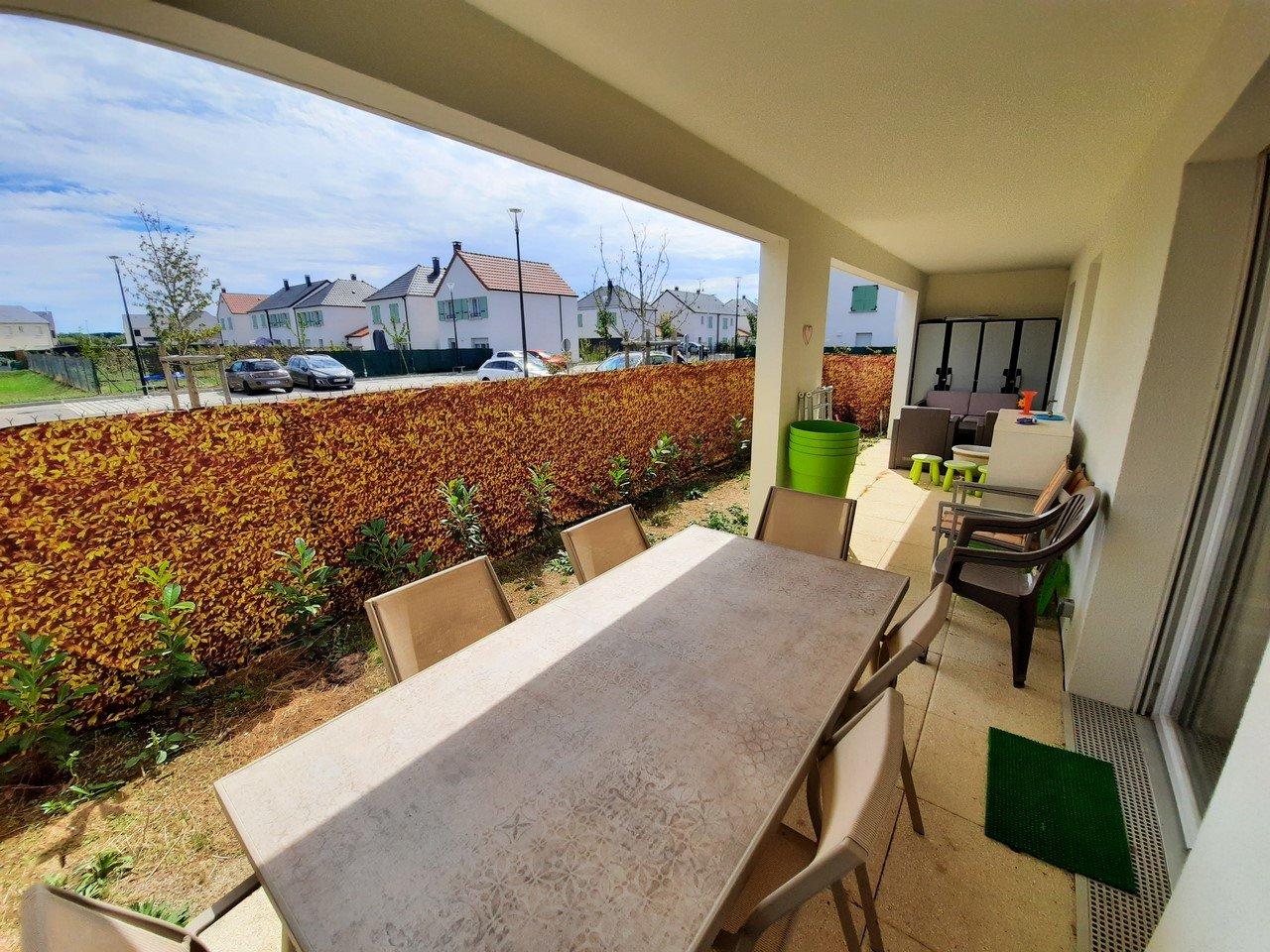 Appartement de plain pied avec jardinet