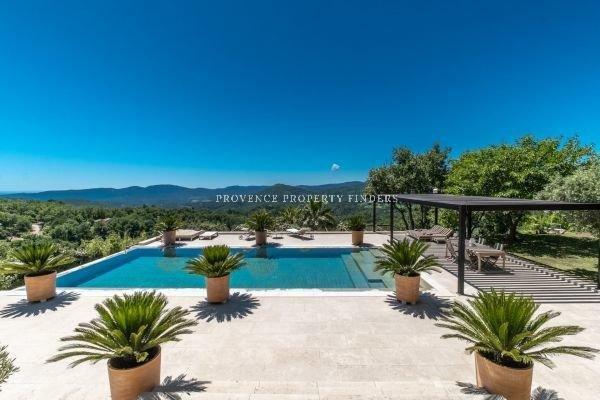 Exceptioneel mooie Villa met prachtig uitzicht.