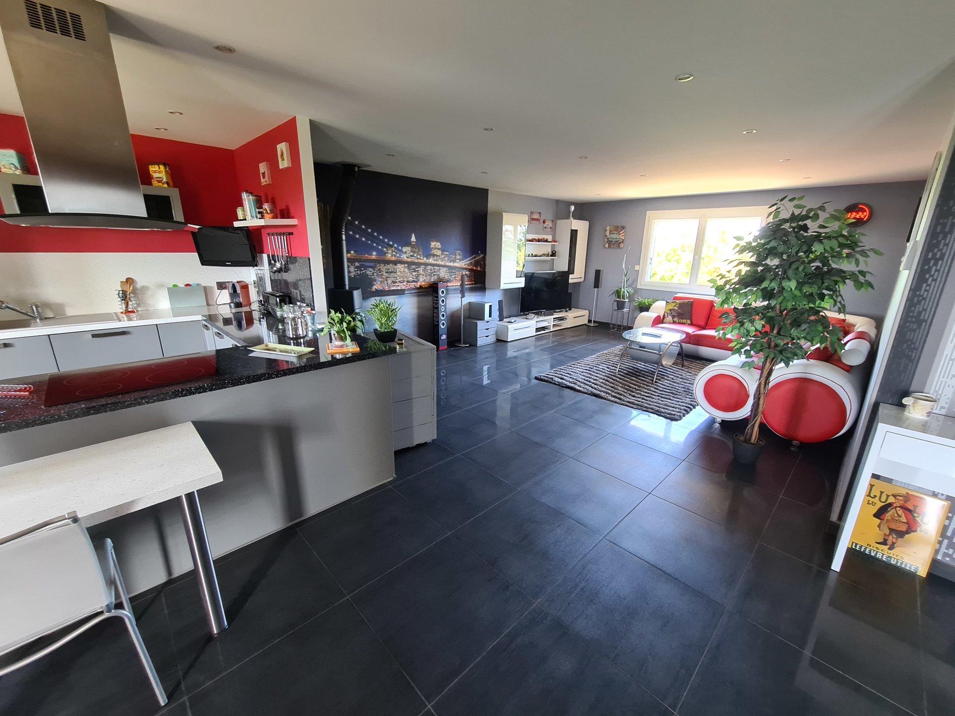 MONTSEVEROUX, Villa T5 de 130 m² sur sous-sol complet avec terrain de 2000 m².