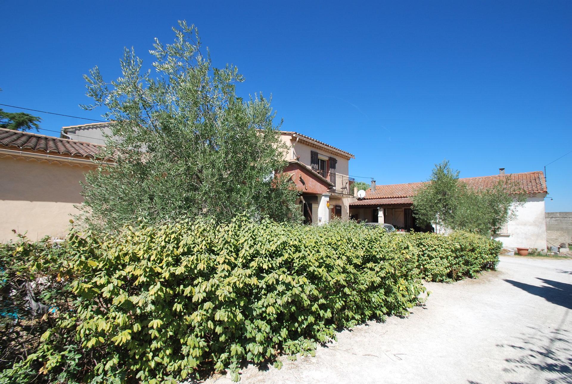 ensemble immobilier sur St Rémy de provence