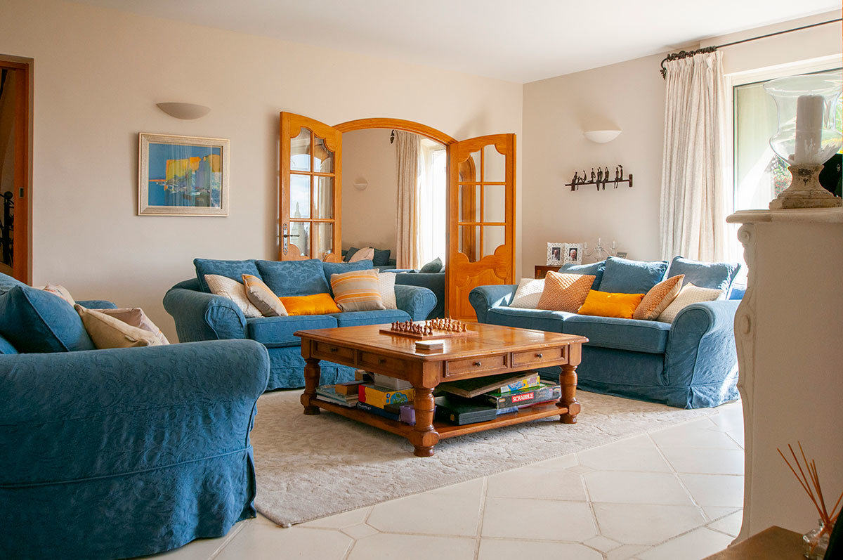 For Sale Grasse Magagnosc - 7/8 bed Elegant Villa with tennis