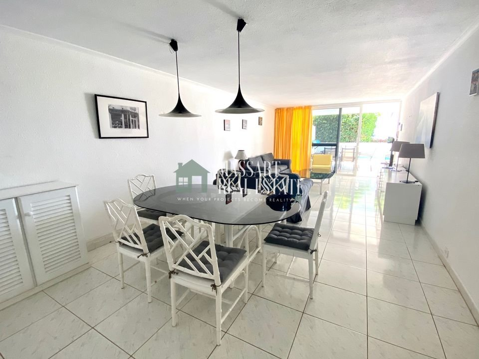 Magnificent apartment of 127 m2 fully furnished and characterized by its good distribution on a ground floor in the popular  residential complex Marazul (Adeje).