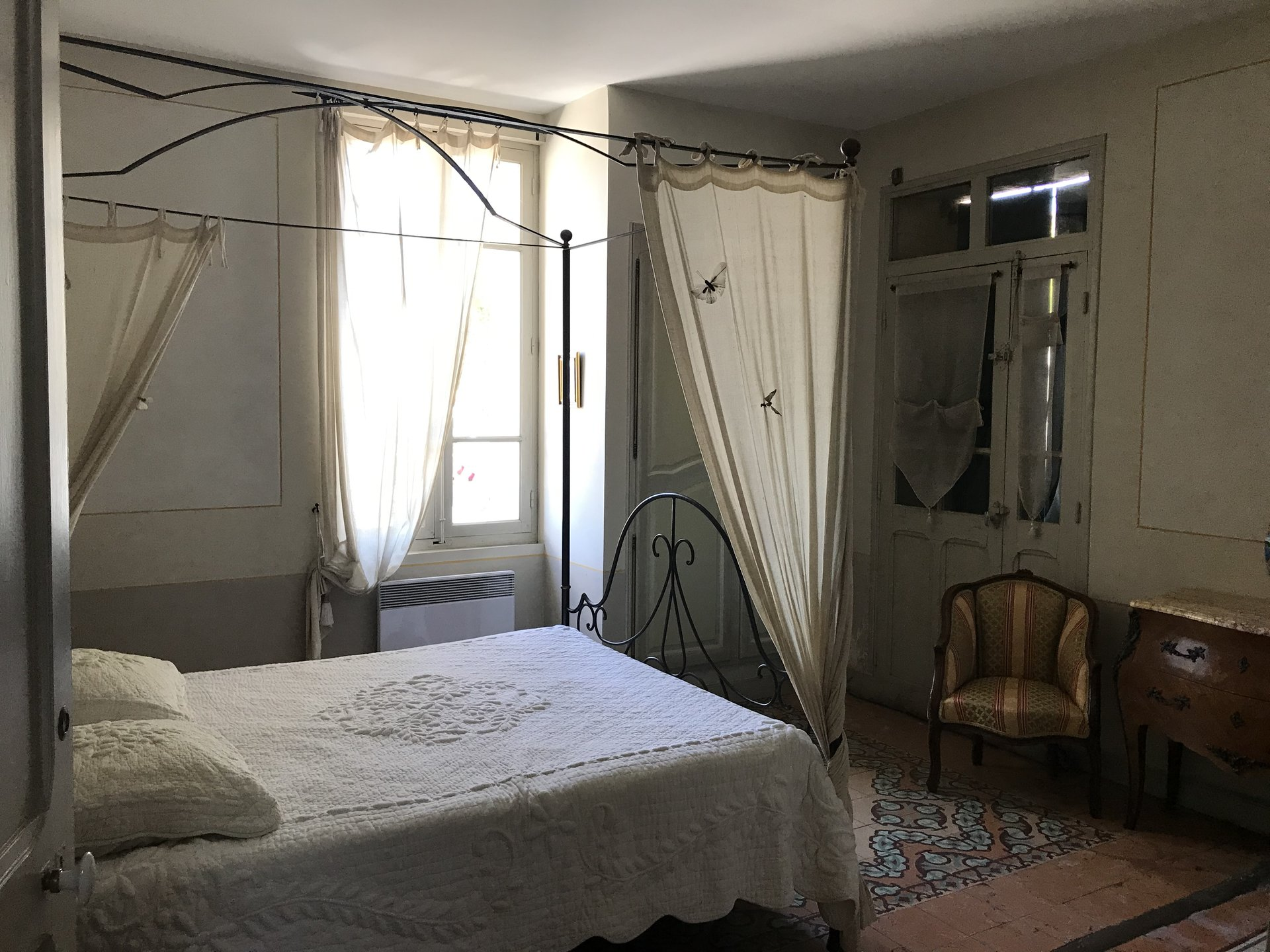 Maison/chambres d'hôtes de 87 m² non mitoyenne au bord de la Sorgue !