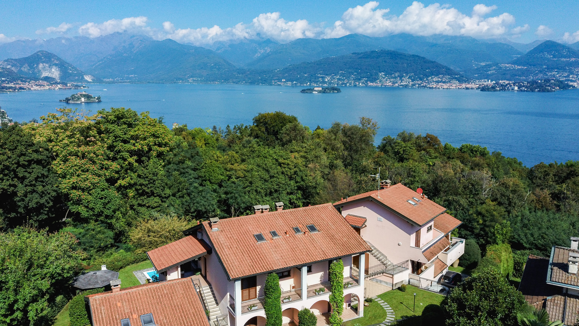 Semi-detached house for sale in Stresa - lake view
