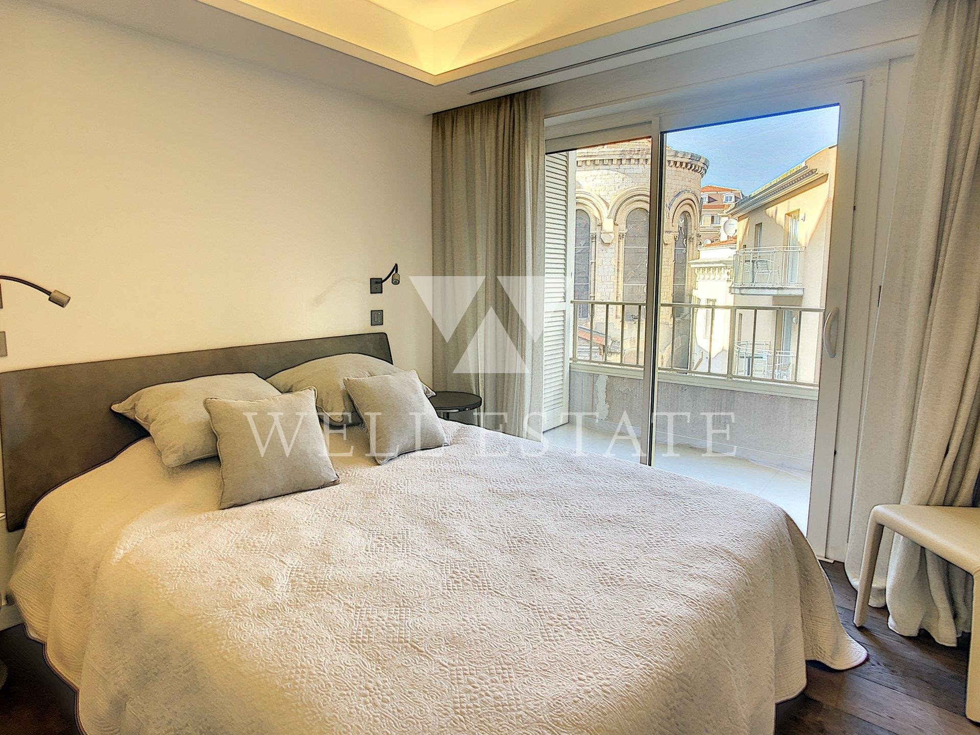 CANNES CROISETTE 3 BEDROOM APARTMENT OF 110M2 WITH  TERRACE SEA VIEW