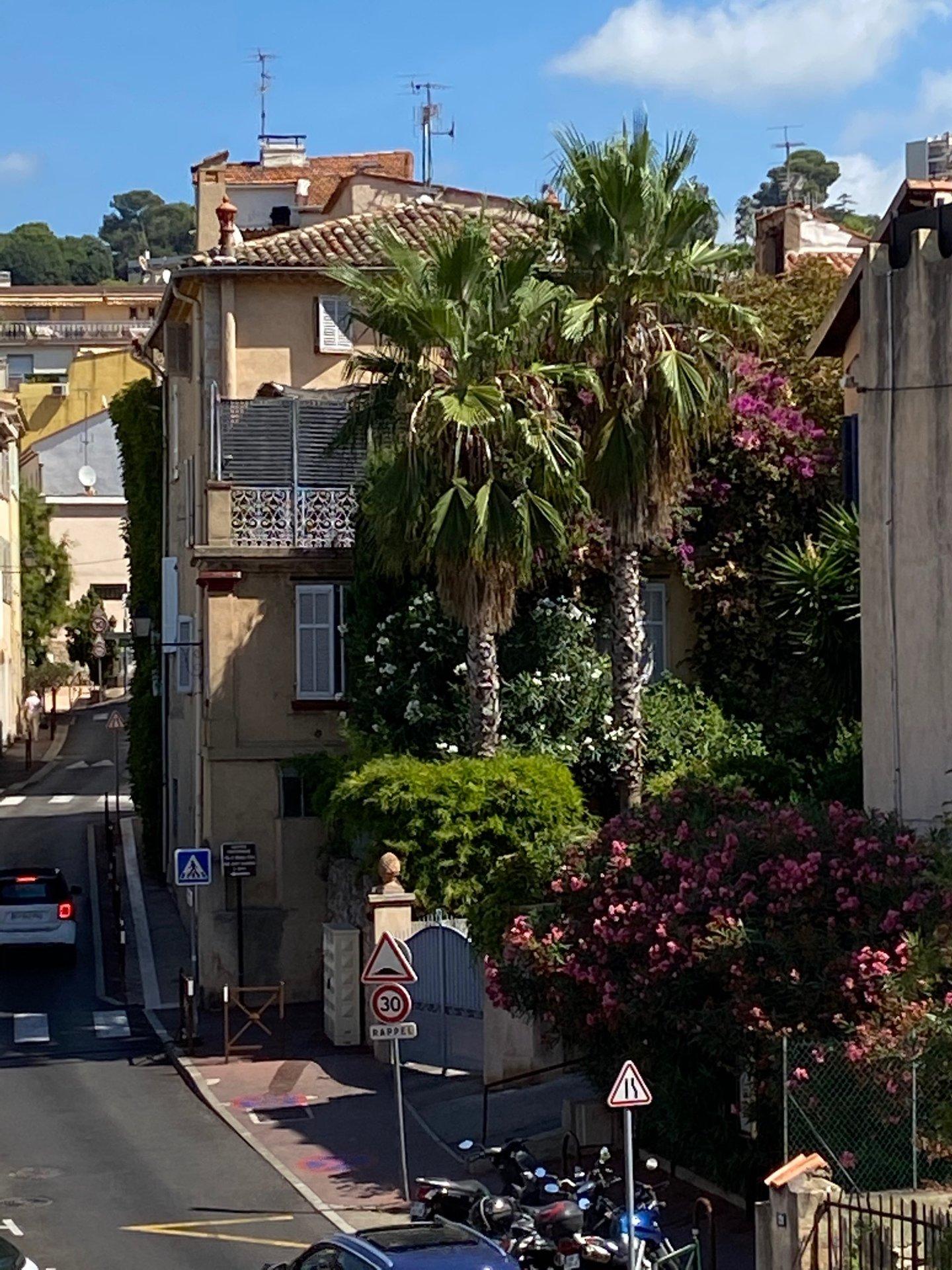 2 piéces  avec belle terrasse
