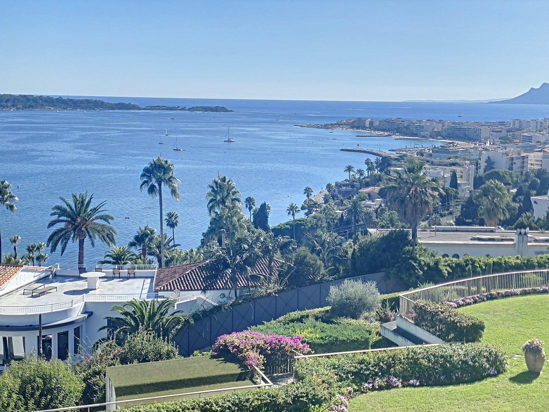 Cannes Californie penthouse 147m2 terrasse vue mer 150 m2
