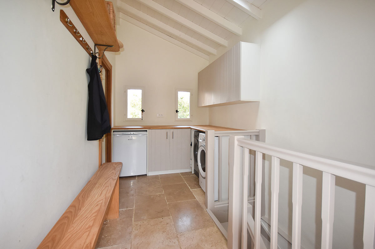 For Sale in La Penne - Beautifully renovated, 5 bedroom, Provençal Farmhouse