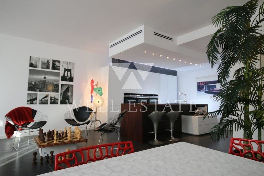 ANTIBES SPLENDID LOFT OF ARCHITECT OF 206M2 ON 4 LEVELS WITH PRIVAT ELEVATOR IN A RECENT BUILDING