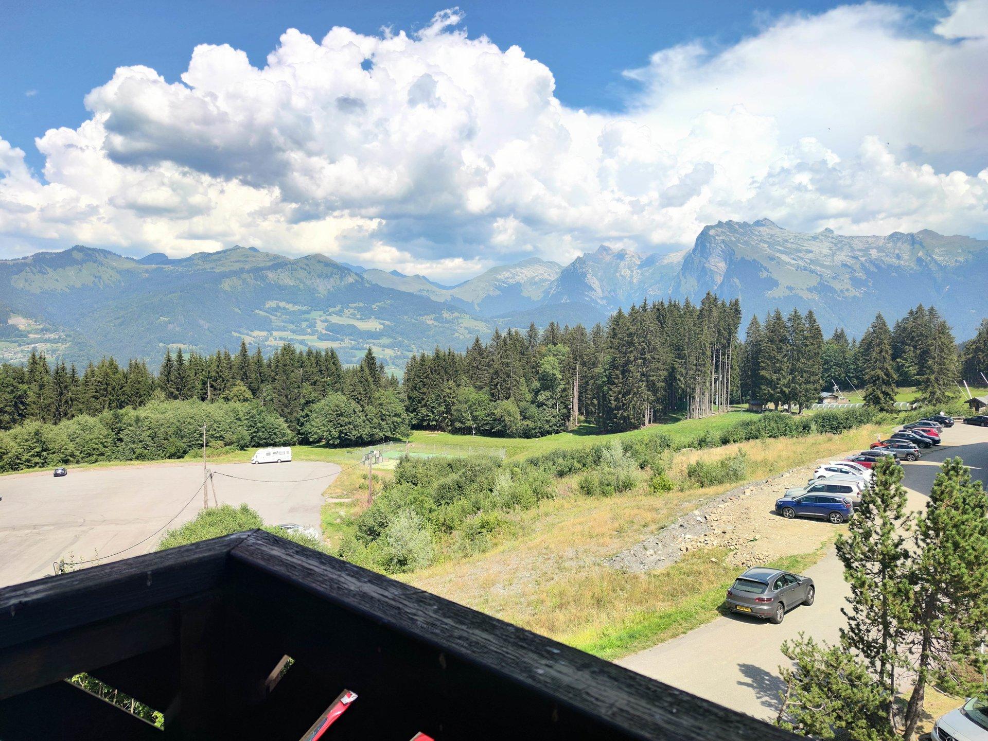 Morillon Appartement T2 bis vue montagne au pied des pistes